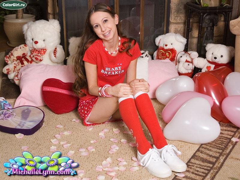 Азводит на секс молоденькую студентку из россии